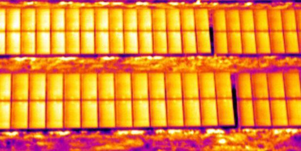 彩钢瓦屋顶光伏 VS 混凝土屋顶光伏